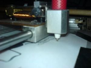 Der Stift. Wird von einem Elektromagneten nach unten gedrückt.